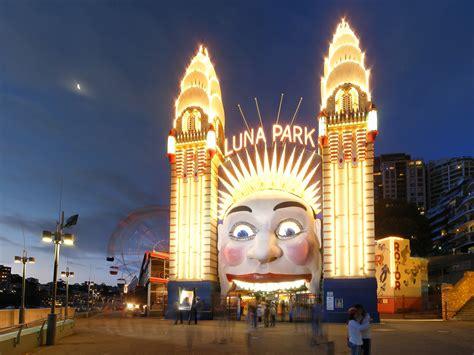 sydneys luna park fighting     modernise