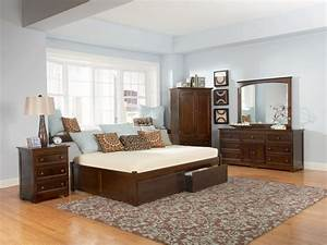 Classic Concord Platform Bed Set - Raised Panel Footboard