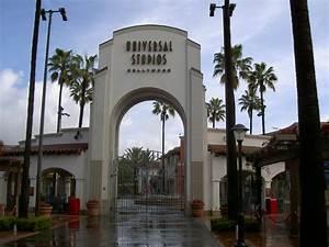 File:Universal Studios entrance.JPG