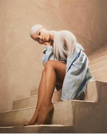 Ariana Grande Sweetener Album Poses Issue Wallpapers