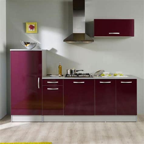cuisine couleur bordeaux brillant meuble bas cuisine couleur aubergine meuble de