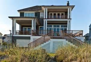 beach style exterior