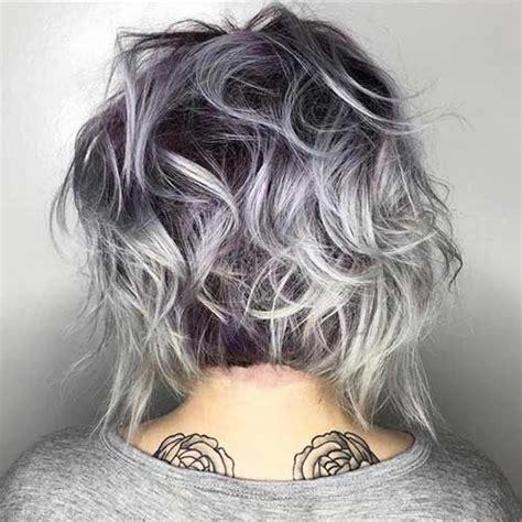 coupe de cheveux femme court coiffure simple  facile