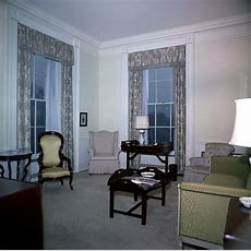 White House Rooms Lincoln Sitting Room, Queens' Sitting