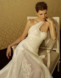 italian wedding gowns With wedding dresses italian designers