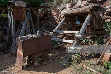 Getty Images Best Way To Clean Antique Wood Table How Can You Tell If Jewelry Is Detect Chinese Porcelain By Colour Playing Card Case Plastic Mirror Car Number Plates Recondition Furniture I Find Out Much My Worth