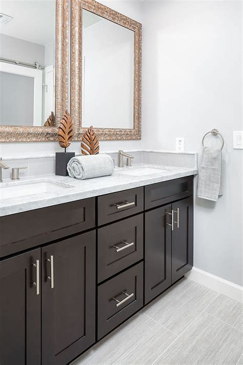 bathroom remodeling  premium quality cabinets