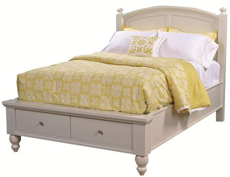 Aspenhome Cambridge Queen-size Bed With Rounded Panel