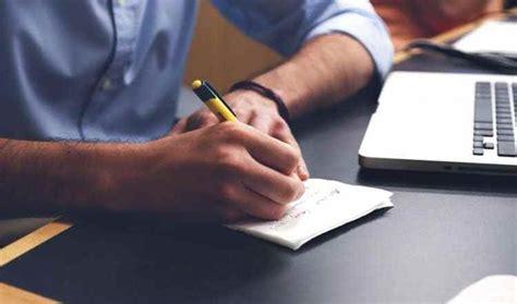 Melatih seseorang memiliki sikap kepedulian dan kepekaan sosial yang tinggi. 9+ Contoh Teks Ulasan Novel, Cerpen, Buku dan Film Dengan ...