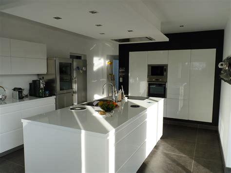 cuisine blanche avec ilot central cuisine ilot central blanc institut beaute hyeres