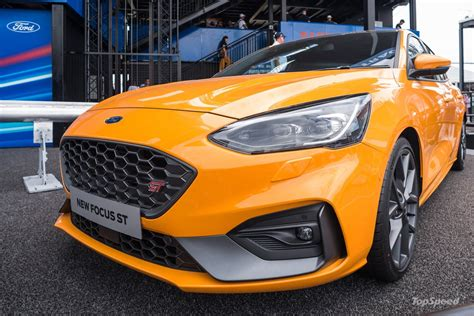 ford focus st   fast   boring