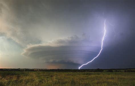 mothership supercell douglass kansas amazing tornado
