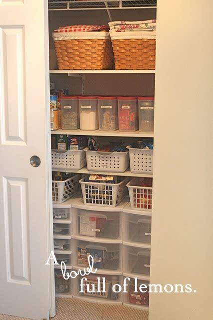 organizing the pantry organization