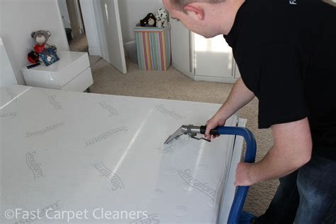 Mattress Cleaning Company Southampton   Trained Mattress