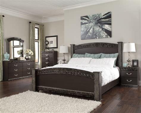 Buy Vachel Bedroom Set By Signature Design From Www