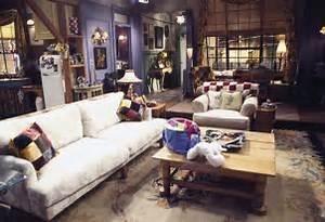 Black Velvet Chair: Monica's apartment from Friends