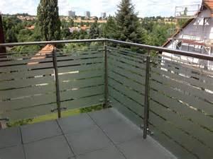 plexiglas balkon sichtschutzfolien für fenster und türen beschriften drucken bauen werben folieren