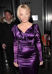 Pamela Anderson X : pamela anderson latest photos celebmafia ~ Medecine-chirurgie-esthetiques.com Avis de Voitures