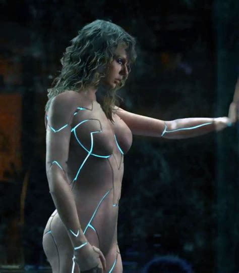 Taylor Swift Side View Of Nude Body Suit Wardrobe Malfunctions