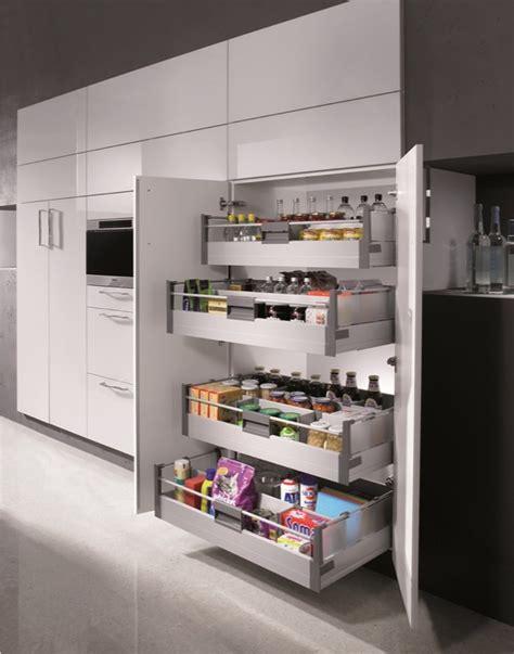 rangement cuisine coulissant agencement et équipements de cuisines haut de gamme sur