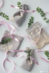 Geschenke Zum Selber Machen : diy geschenks ckchen mit textilband mit namen geschenke verpacken ~ Yasmunasinghe.com Haus und Dekorationen