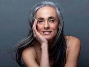Grau Silber Haare : graue haare wachsen lassen grau werden sch n bleiben ~ Frokenaadalensverden.com Haus und Dekorationen