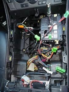 Diy Twin Ipod Lead Installation In Range Rover Sport