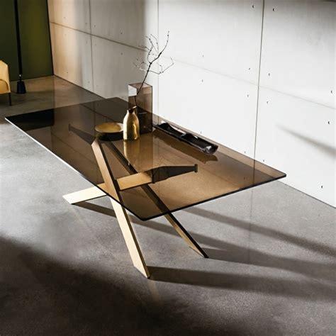 verre trempé pour table table en verre design pour un espace de vie chic et moderne