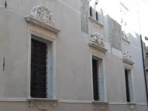 marmo per davanzali soglie e davanzali in marmo realizzati su misura