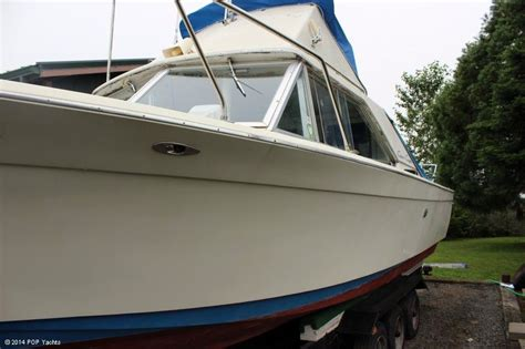 Chris Craft Type Boats by 1967 Used Chris Craft 27 Commander Sportfisher Sports