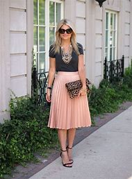 What to Wear with Pleated Skirts
