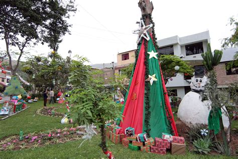 nacimientos y adornos navide 241 os hechos con material