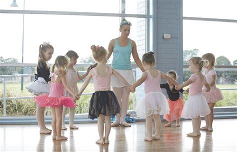 a preschool ballet class with kinderballet mpavilion 538 | 42777663 img 1212