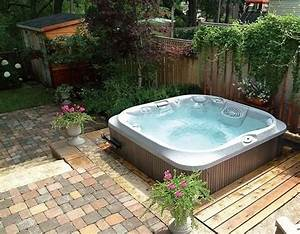 Whirlpool fur aussen garten halb einbau outdoor lounge for Whirlpool garten mit bonsai wohnung