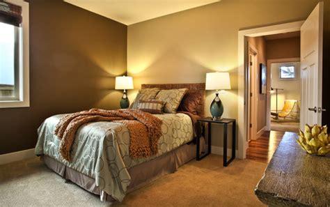 eclectic guest room  info