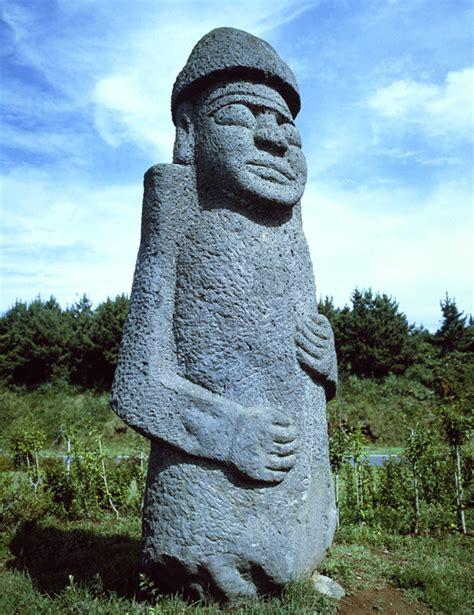 rock statues stone statues of jejudo island