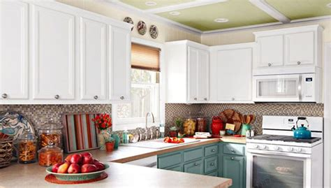 how to install crown moulding on kitchen cabinets white kitchen with cabinet crown moulding how to install 9764