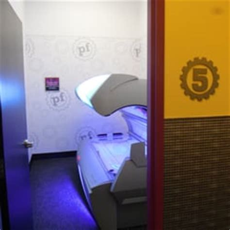 Tanning Beds At Planet Fitness by Planet Fitness Roseville Gyms Roseville Mn