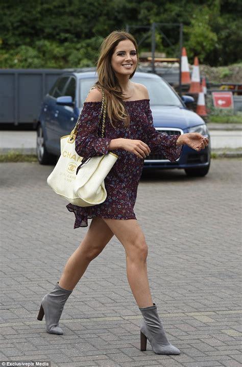 Made In Chelsea's Binky Felstead displays her long legs in ...