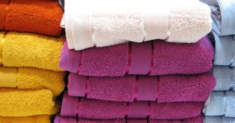 how to make towels stop shedding how to stop bath towels from shedding ehow uk