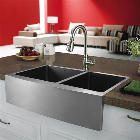 Vigo VGR3320BL Stainless Steel Farm Sink Installed in