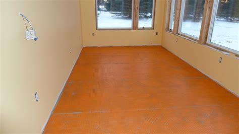 Laminate Flooring: Spacing Laminate Flooring