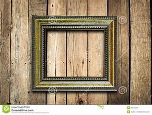 Cadre De Tableau : vieux cadre de tableau sur le mur en bois de vintage ~ Dode.kayakingforconservation.com Idées de Décoration