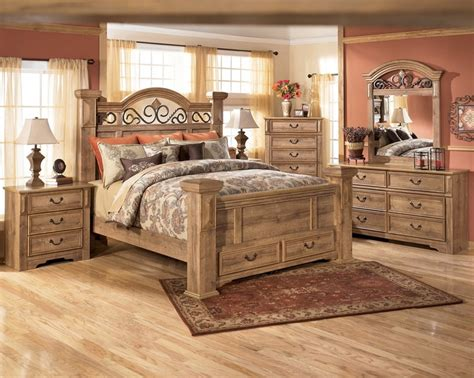 signature design  ashley  whimbrel forge poster bed