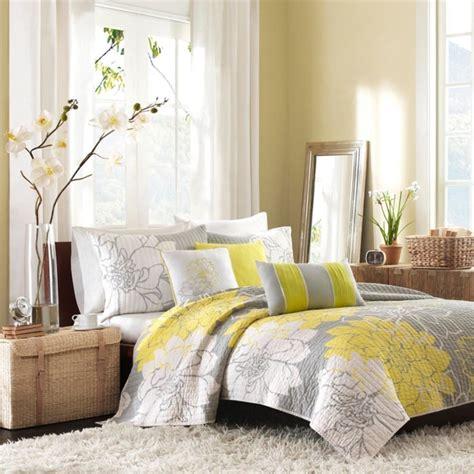 deco chambre jaune et gris la chambre grise 40 idées pour la déco archzine fr