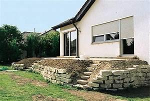 Terrasse Höher Als Garten : terrassenbeete auf hohem niveau garten terrasse garten und natursteinmauer ~ Orissabook.com Haus und Dekorationen