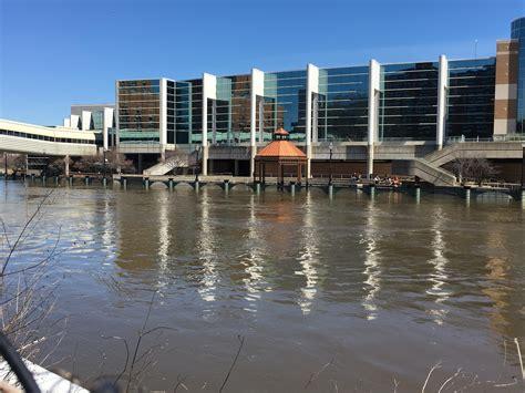 Flooding Closes Roads Around MSU & Lansing | WKAR