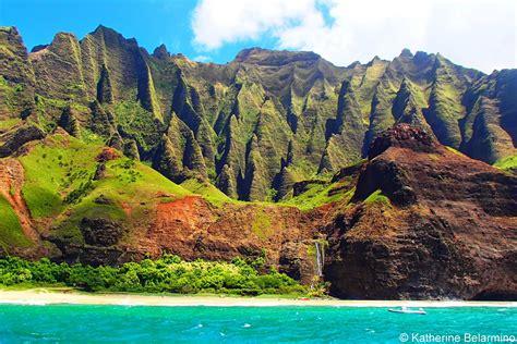 Napali Coast Hawaii Boat Tour by Touring Kauai S Na Pali Coast With Napali Catamaran