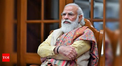 PM Modi holds meet to review India's vaccination strategy ...