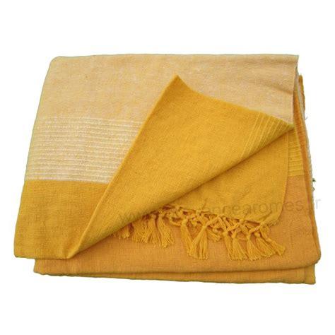 plaid couvre canap couvre lit jaune parure couvre lit lulu jaune linge de